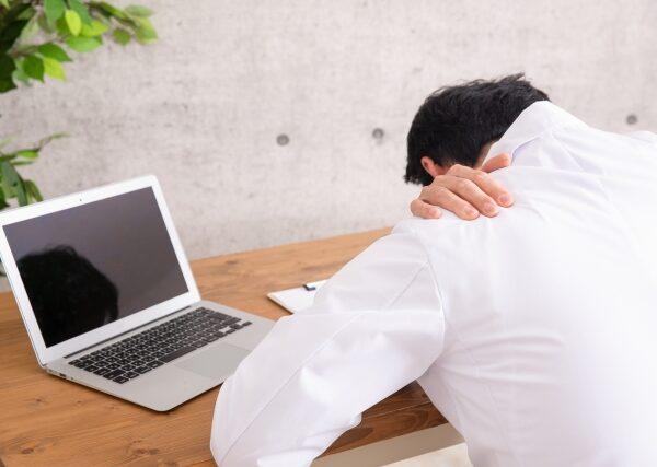 日本のビジネスパーソンは慢性的に疲れています
